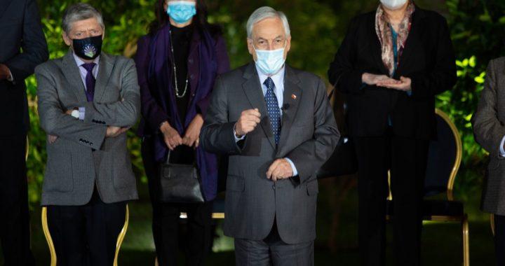 Presidente Piñera anuncia proyectos de mínimos comunes y cheque de alivio para pymes