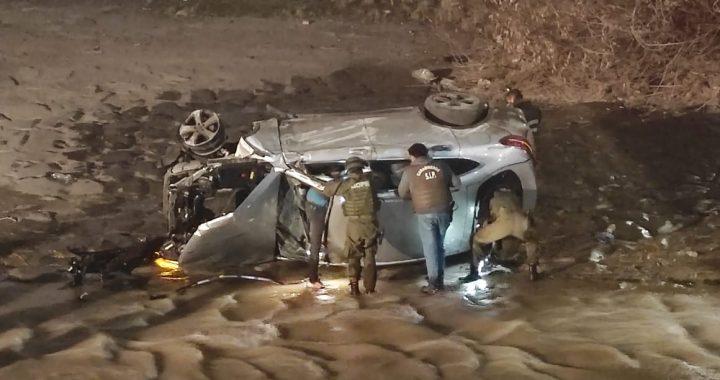Seis detenidos y un vehículo volcado en el Mapocho termino persecución policial