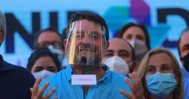 Orrego vence a Oliva y se convierte en el primer gobernador de la RM
