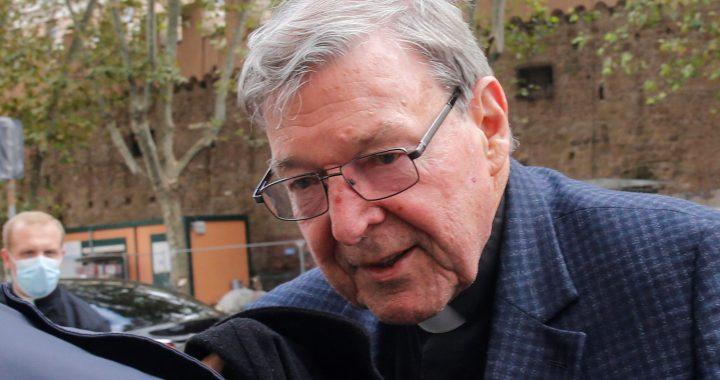 Australia multa a 12 medios por informar sobre la condena del cardenal Pell