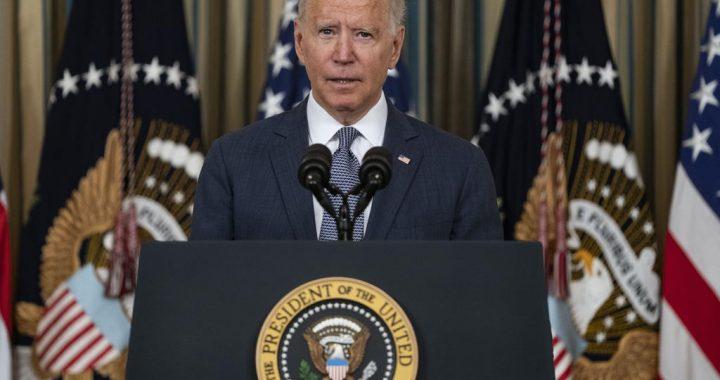 """Biden dice que las protestas en Cuba son una llamada valiente a """"la libertad"""""""