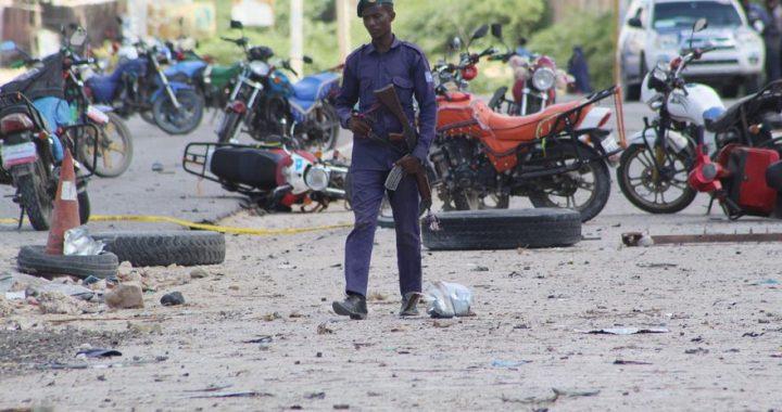 Ascienden a 10 los fallecidos en un ataque suicida en un hotel de Somalia