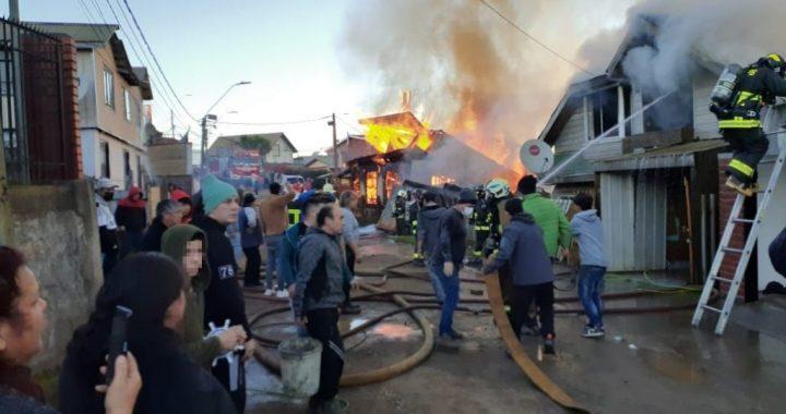 Incendio afecta a 3 viviendas del Cerro La Gloria de Talcahuano