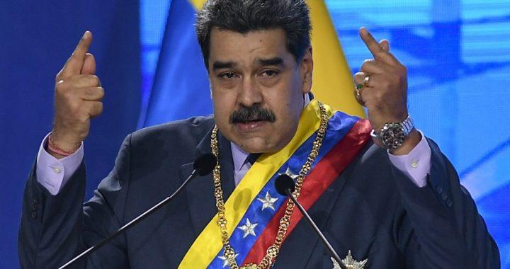 Tan lejos de Dios, tan cerca de Maduro